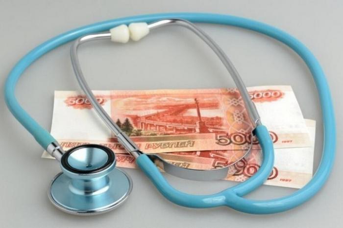 Правительство РФ выделило 49 млрд. рублей на дополнительные выплаты медикам, работающим с заразившимися коронавирусом, в первом квартале 2021 года. Об этом сообщает газета «КоммерсантЪ».