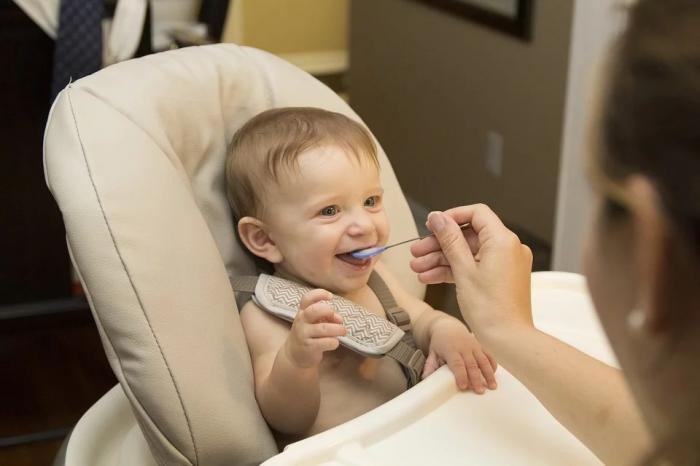 Чем кормить малыша?