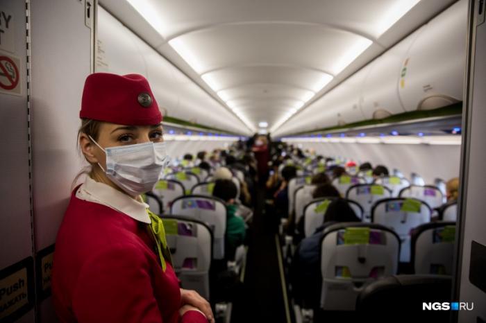 В аэропорту Жуковский и других московских воздушных портах пассажиров по прилёту проверяют тепловизором, а при прибытии из некоторых стран - берут мазки из зева и горла.