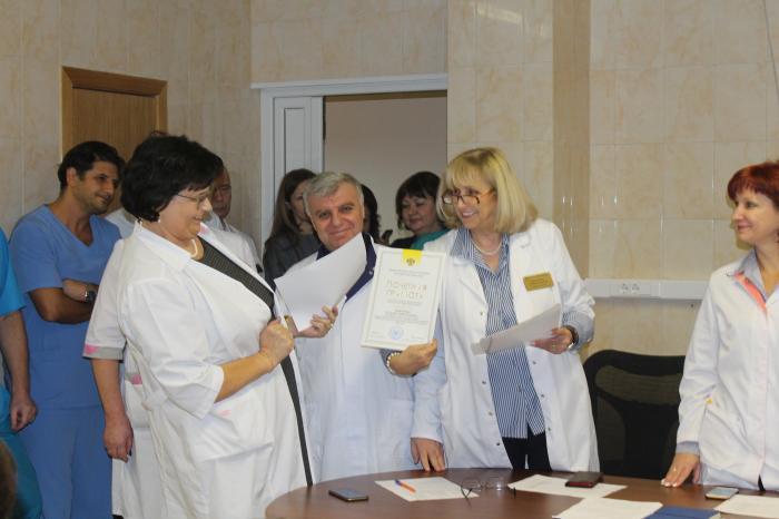 Накануне Нового года в Жуковской городской клинической больнице состоялось торждественное собрание, на котором были подведены итоги года и вручены почетные грамоты и благодарности сотрудника учреждения.