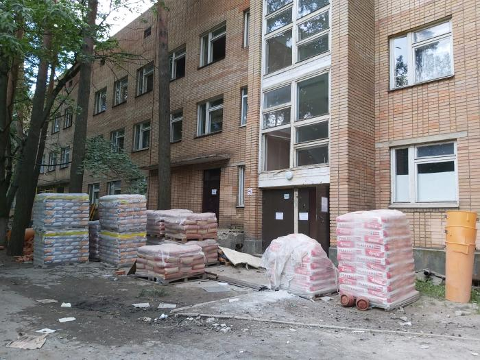 В 2020 году в «Жуковской ГКБ» должен быть пройти капитальный ремонт основного корпуса, который включал в себя ремонт фасада, некоторых отделений, замену всех коммуникаций. Ремонтные работы начались уже в январе, но из-за пандемии были приостановлены.