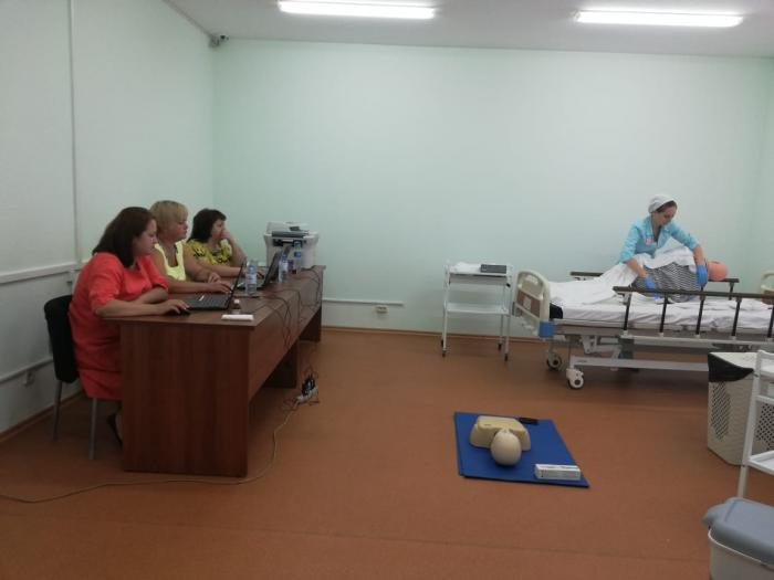 Четыре медицинские сестры из Жуковской городской клинической больницы приняли аккредитацию специалистов в ГБПОУ МО «Московский областной медицинский колледж №2».