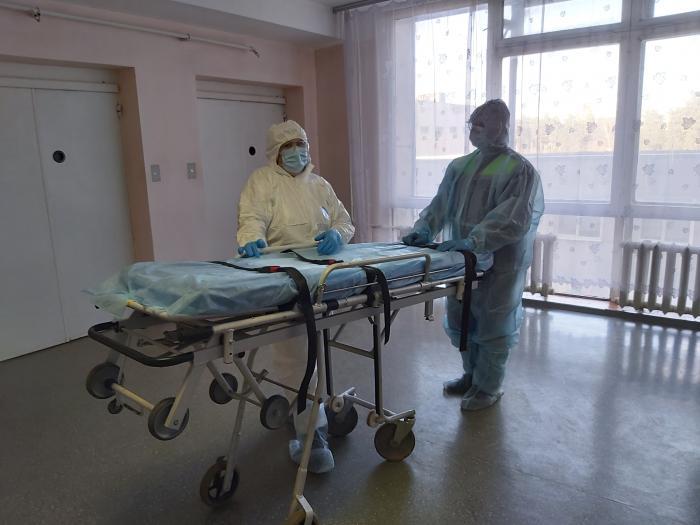 1 апреля. В Жуковском 3 пациента. В ГКБ только-только введет карантин. Отменяются плановые операции, прекращается прием в поликлинике, в психо-наркодиспансере.