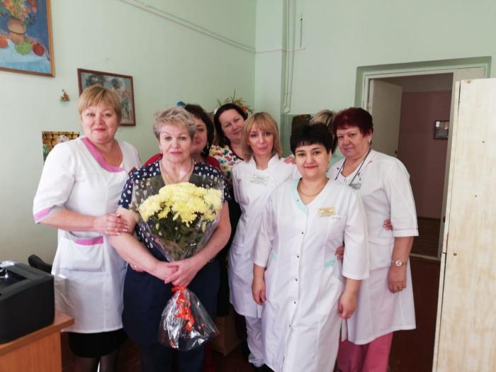 Вчера, 24 марта 2020 года свой день рождения отмечала старшая медицинская сестра дневного стационара терапевтического профиля Подвальная Людмила Евгеньевна.