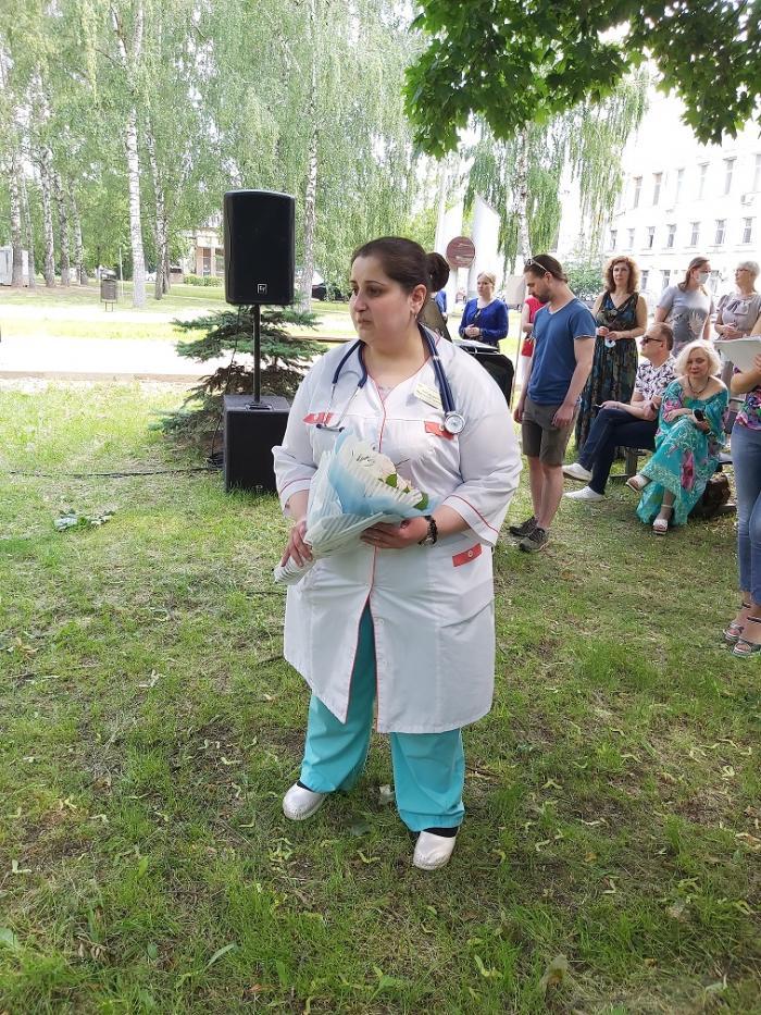 Сегодня, 19 июня на территории Жуковской городской клинической больницы состоялся праздничный концерт и награждение медиков городской клинической больницы, приуроченные к Дню медицинского работника, который традиционно отмечается 21 июня.