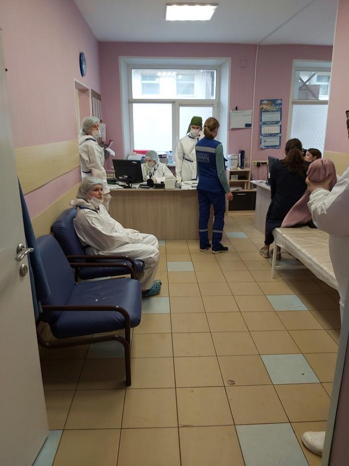 Уважаемая Лилия Алиевна, сегодня я обратилась в приемное отделение Жуковской ГКБ с травмой, которую получила несколько дней назад, и сразу была окружена вниманием и чутким отношением сотрудников травматологического кабинета.