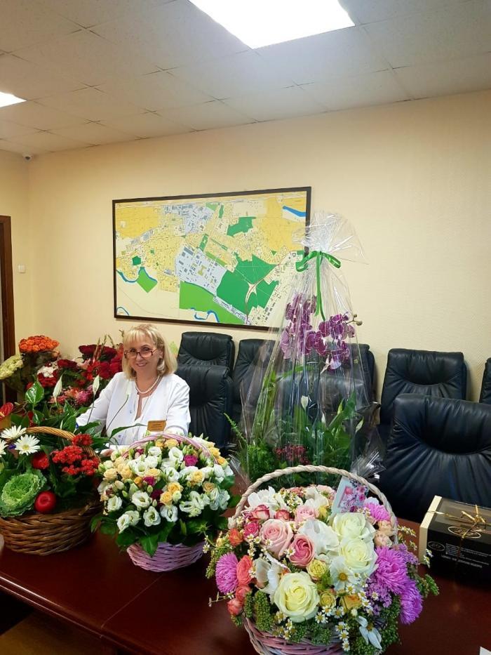 6 сентября у главного врача Жуковской ГКБ, заслуженного врача РФ Лилии Алиевны Бусыгиной был день рождения.