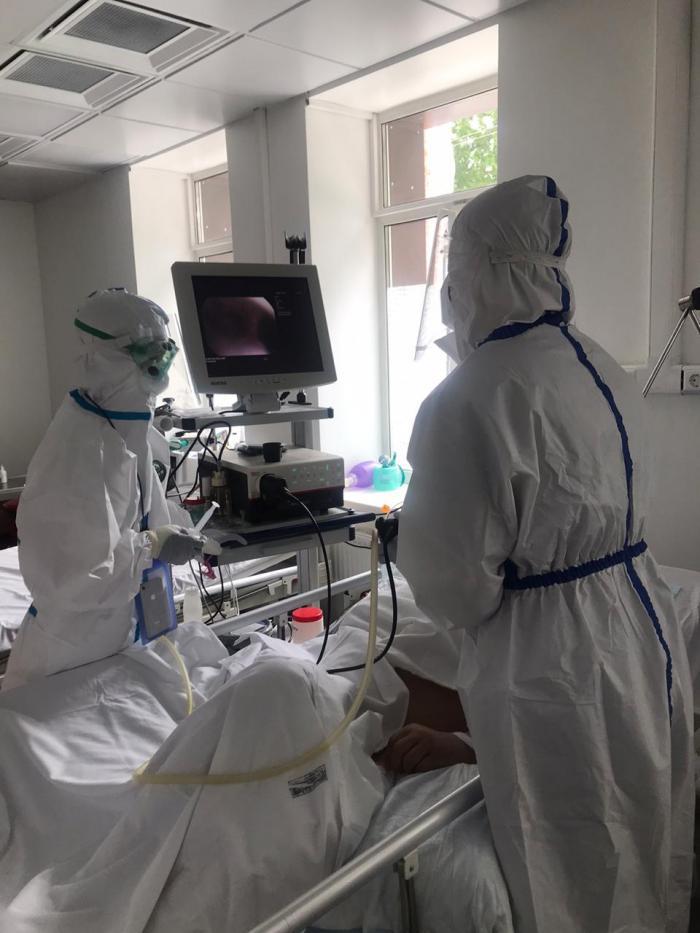 В рамках программы борьбы с COVID19 в Жуковскую ГКБ из министерства здравоохранения Московской области поступил новый видеобронхоскоп «Pentax». Новый медицинский аппарат  полноценно используется врачами реанимационного отделения 2-го инфекционного отделения.