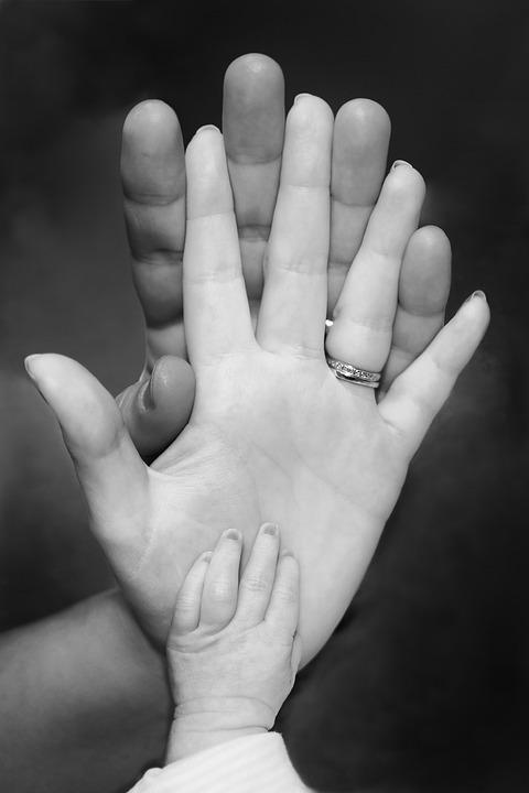 Акушерское отделение и женская консультация Жуковской ГКБ информирует, что для получения комплексной услуги «Рождение ребёнка» небходим следующий список документов: