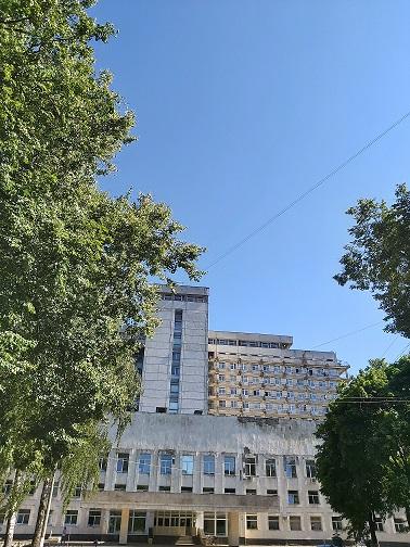 Внимание, с 15 сентября на время ремонта центрального холла 14-этажного здания Жуковской ГКБ вход для передачи продуктов и необходимы вещей больным, а также для общения с лечащим врачом осуществляется с обратной стороны здания.
