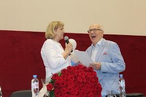 Как мы уже сообщали ранее, 17 июля своё восьмидесятилетие отметил заведующий кардиологическим отделением Жуковской ГКБ, доктор медицинских наук, профессор Юрий Михайлович Поздняков.