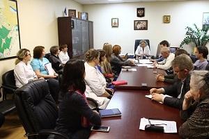 На прошедшей неделе состоялась встреча главного врача Жуковской ГКБ Лилии Бусыгиной с членами Общественной палаты города Юрием Осиповым и Сергеем Кодиным, а также экспертом Николаем Качновым.