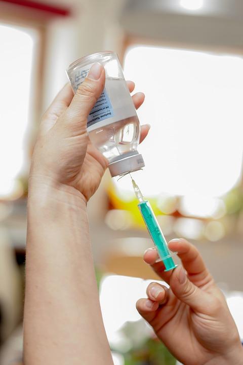 Какие бывают осложнения на введение вакцины?