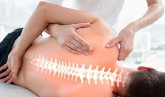 Мануальная терапия занимаются лечением патологий опорно-двигательной системы, центральным сегментом которой является позвоночник.